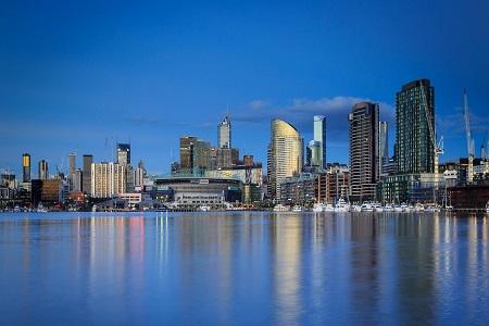 Docklands-Melbourne-Victoria-450x300
