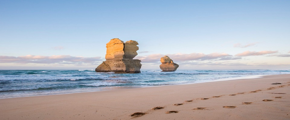 Foot-Steps..-The-Twelve-Apostles-Victoria
