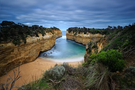 Loch-Ard-Gorge-Great-Ocean-Road-Victoria-450x300