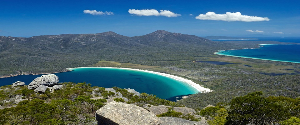 Wineglass-Bay-from-Mt-Amos-TAS